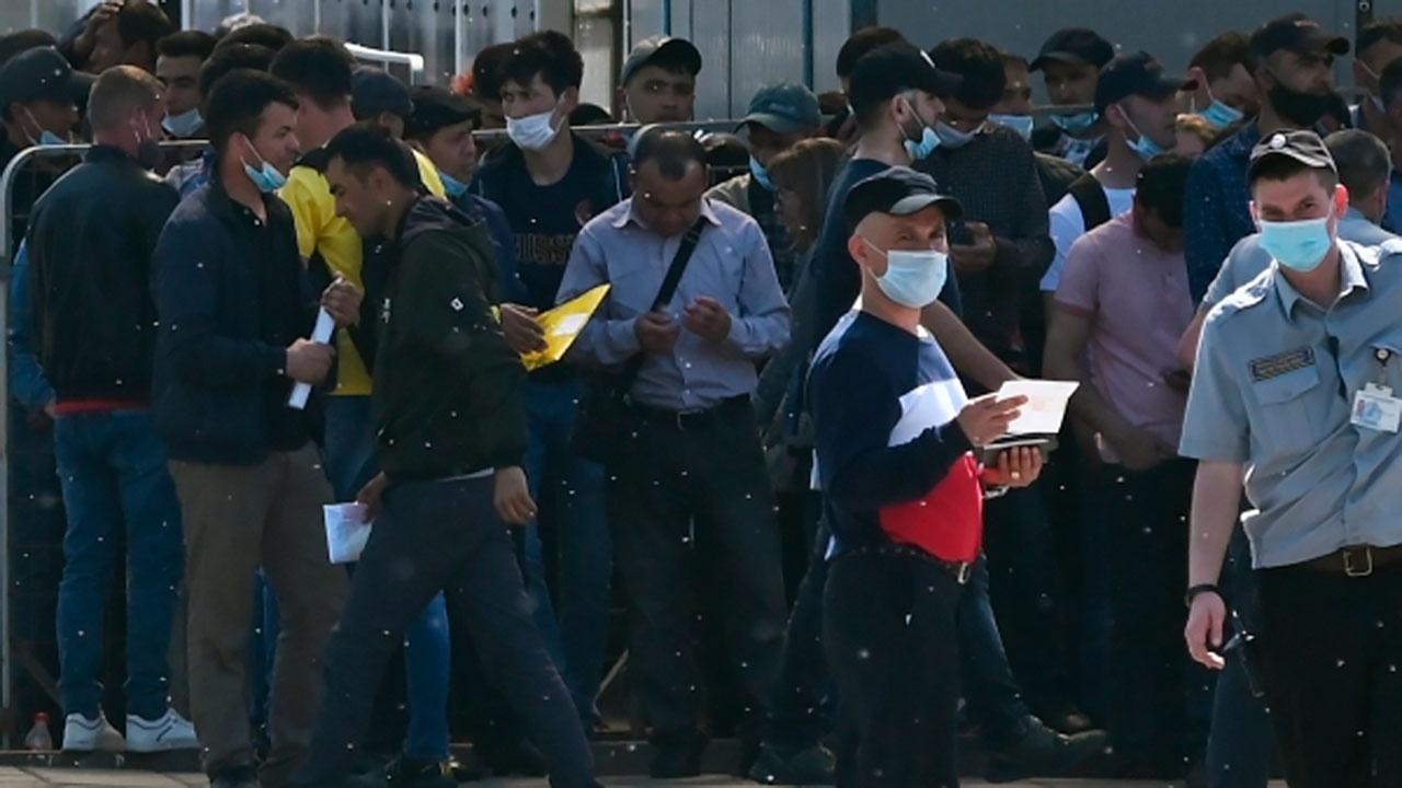Глава Минюста прокомментировал идею о замещении трудовых мигрантов заключенными