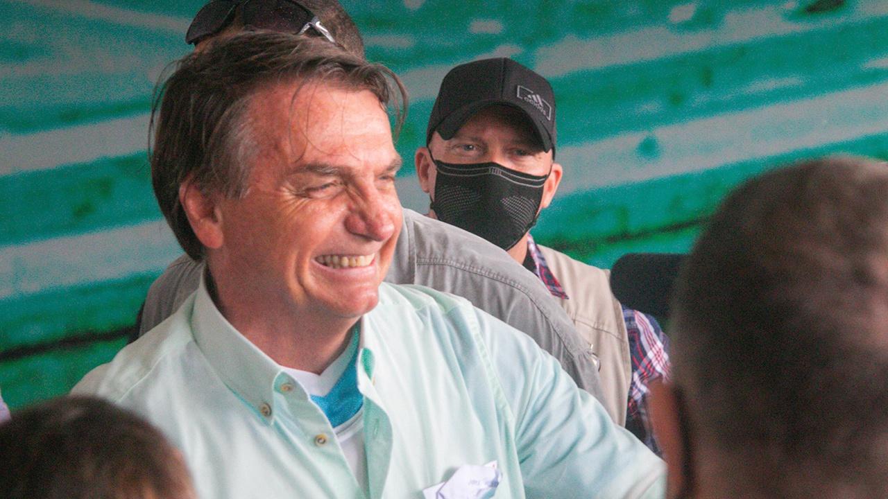 СМИ: президента Бразилии оштрафуют за нарушение карантинных мер