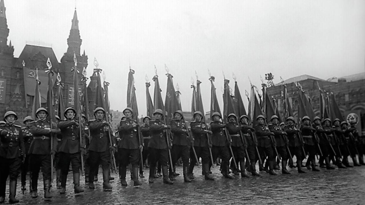 ГД приняла в первом чтении законопроект о запрете отождествления СССР и нацистской Германии