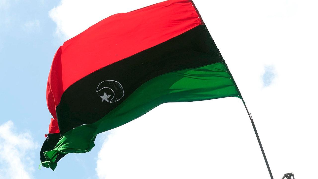 Истребитель ВВС Ливии разбился на военном параде