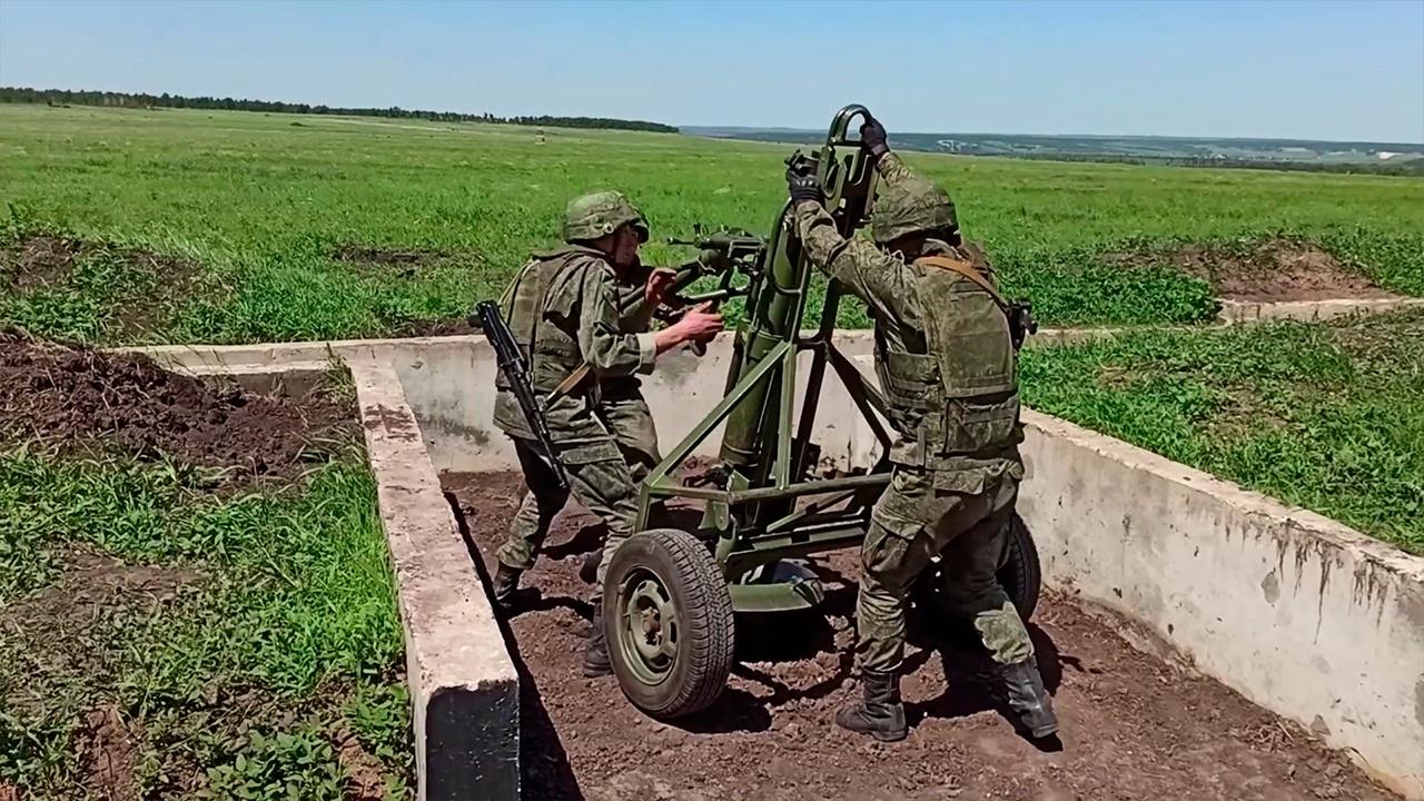 Огневые задачи и препятствия: под Саратовом определили победителя «Мастера артиллерийского огня»