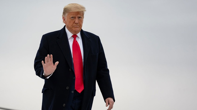 Стало известно о планах Трампа «восстановиться» в должности президента США