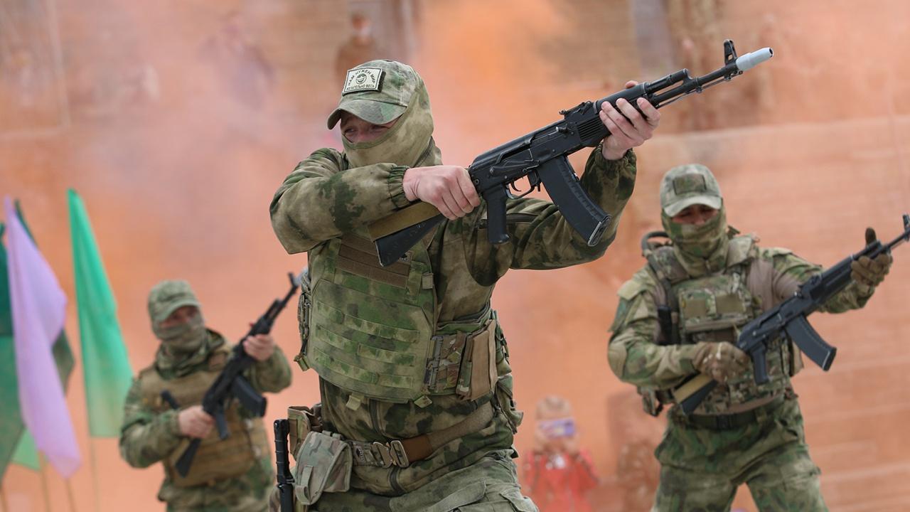 В Нижнем Новгороде разведчики танковой армии ЗВО в День защиты детей организовали показательные выступления