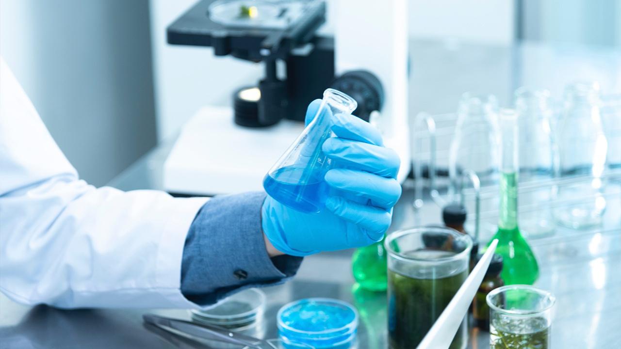 Российские ученые разработали новый полимер для быстрой остановки крови
