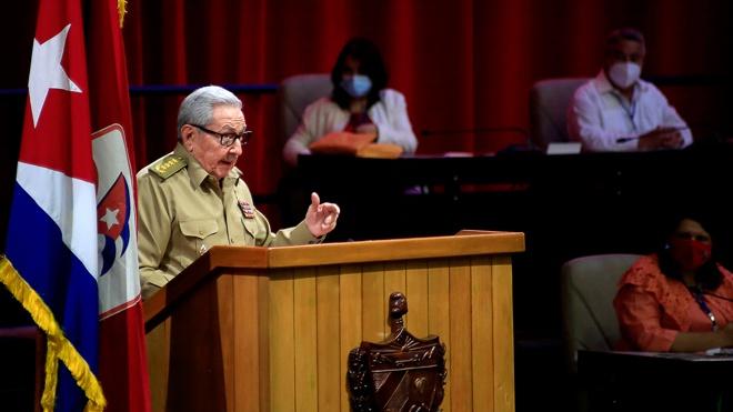 Путин поздравил Рауля Кастро с 90-летним юбилеем