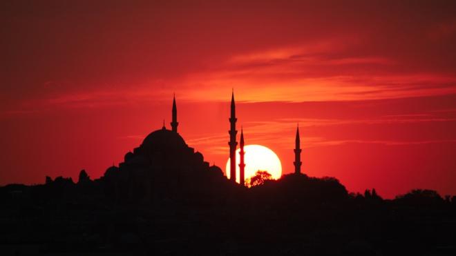 Власти Турции упростили правила въезда для вакцинированных туристов