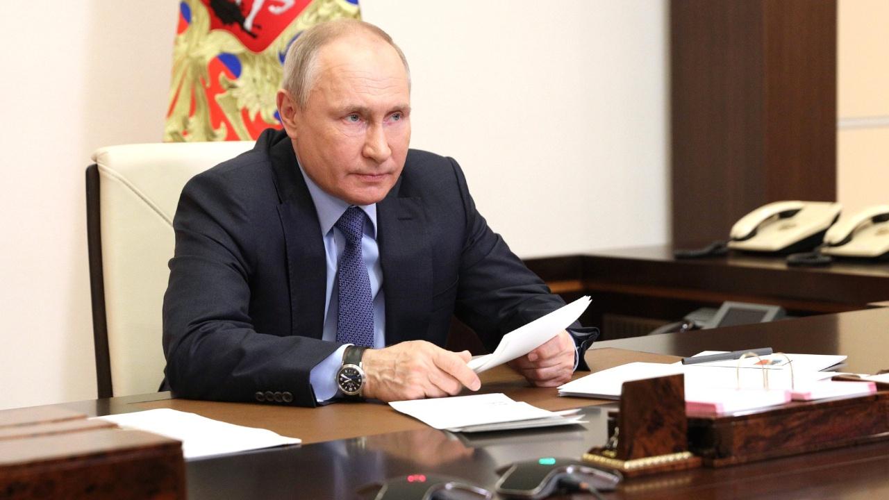 Путин подписал закон о запрете на участие в выборах причастных к экстремизму