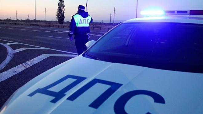 Пассажирский автобус врезался в столб в Ярославле
