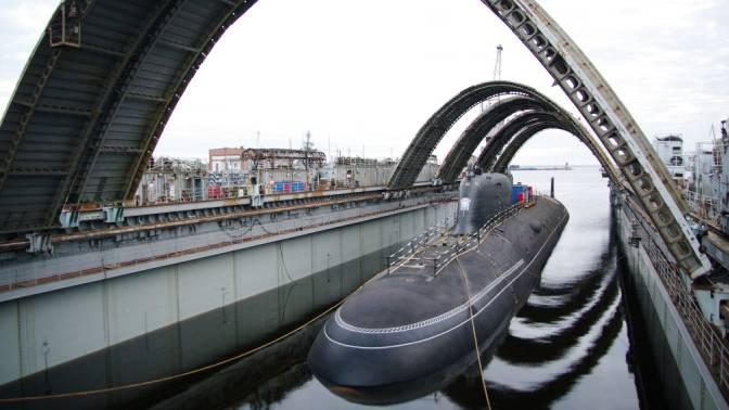 Главком ВМФ провел совещание по сервисному обслуживанию кораблей и подводных лодок