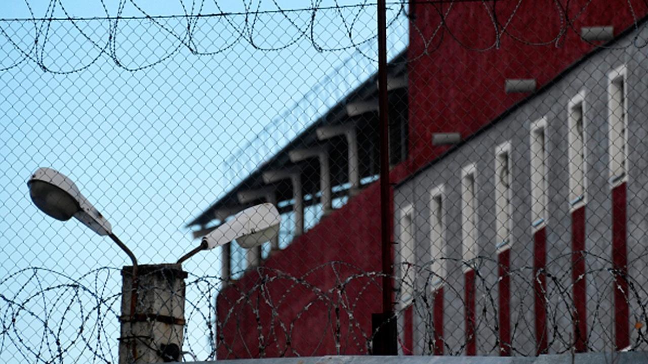 Сотрудников ФСИН наделили правом выносить официальные предостережения заключенным