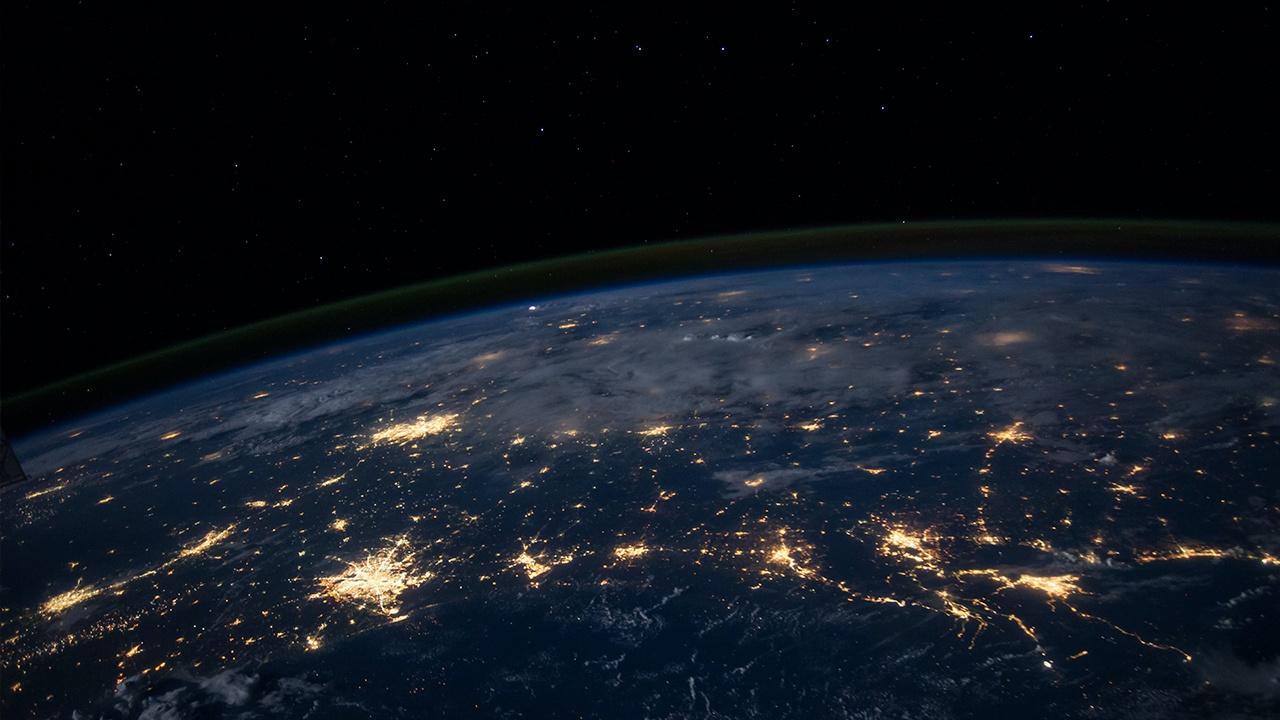 Россия запустит в космос четыре шарообразных спутника