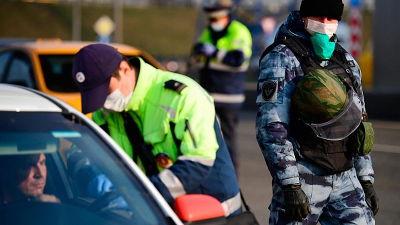 Сотрудников ГИБДД обяжут вернуть водителю документы с вложенными деньгами
