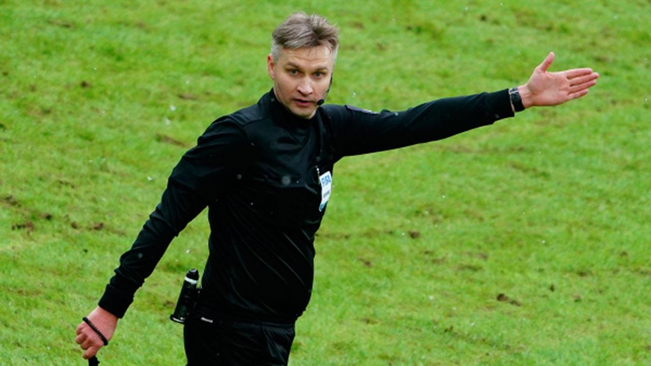 Арбитр Лапочкин отстранен от футбольной деятельности на 10 лет