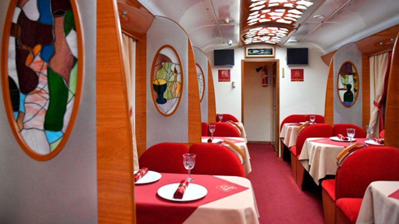 В РЖД сообщили, что не откажутся от вагонов-ресторанов в поездах