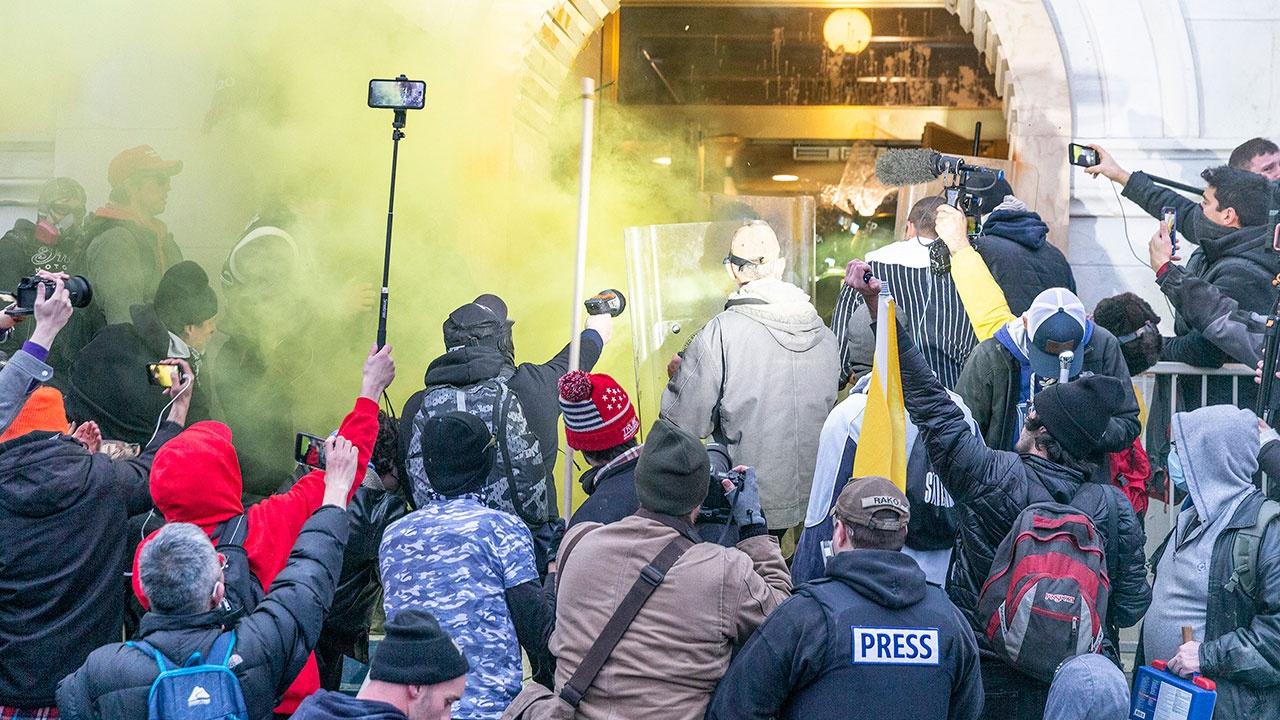 СМИ: участники штурма Капитолия в США подвергаются жестокому обращению в тюрьме