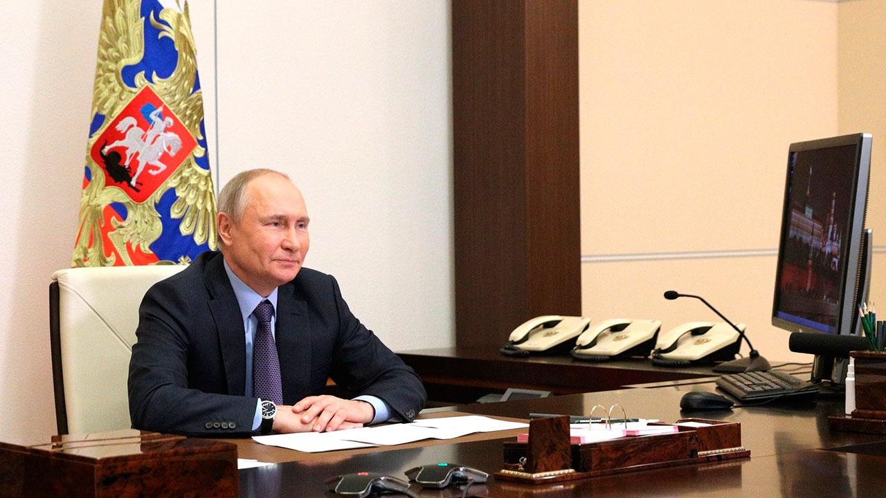 ВЦИОМ: Владимиру Путину доверяют 66% россиян