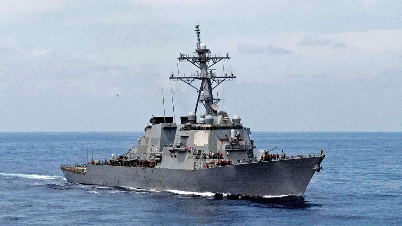 Силы ВМФ РФ приступили к контролю за действиями эсминца «Лабун» ВМС США, зашедшего в акваторию Черного моря
