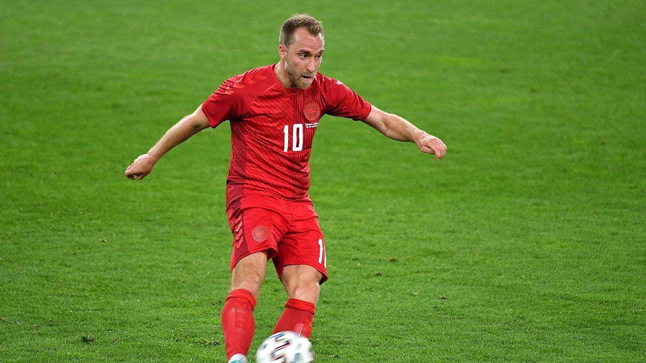 Футболист сборной Дании Эриксен потерял сознание во время матча против команды Финляндии