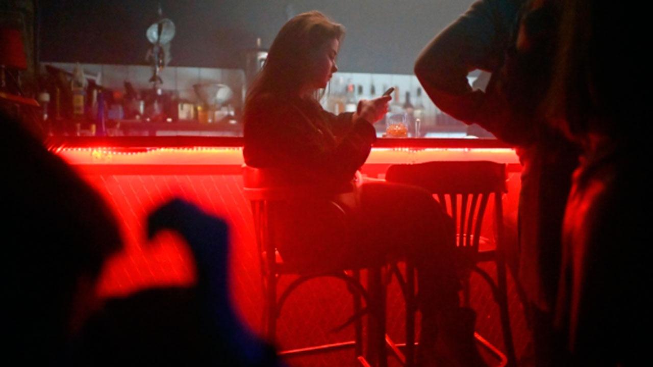 В Москве ночные клубы, кафе, бары, рестораны прекращают работу с 23.00 до 6.00