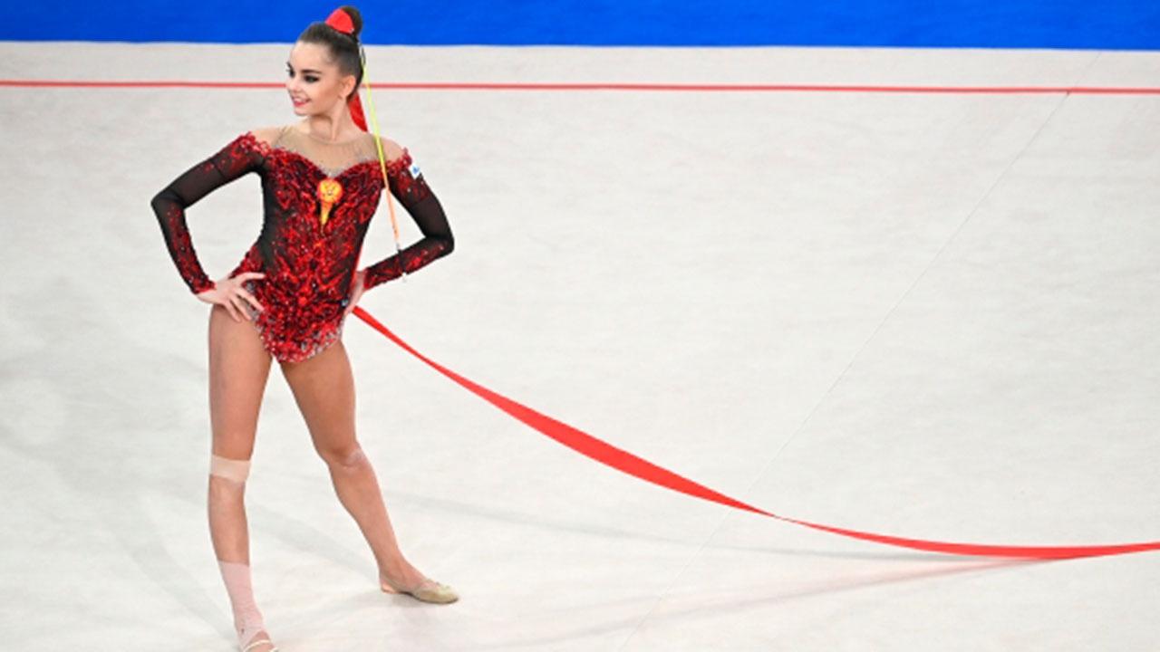 Сборная РФ по художественной гимнастике завоевала золото на чемпионате Европы в групповом многоборье