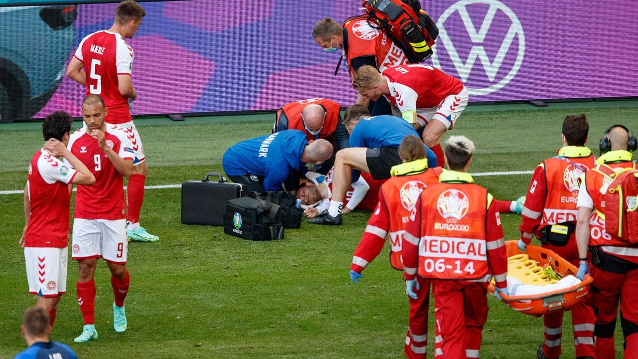 Врач сборной Дании рассказал, как реанимировали Эриксена
