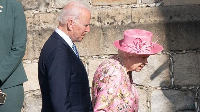 Байден заявил, что королева Елизавета II расспрашивала его о Путине