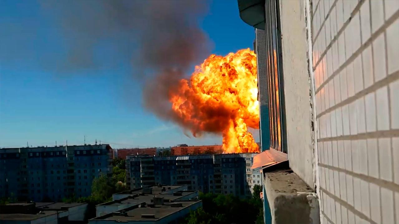 Число пострадавших при мощном пожаре на АЗС в Новосибирке выросло до 35 человек
