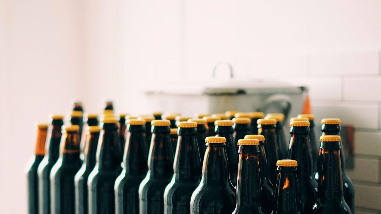 В России предложили ужесточить наказание за покупку алкоголя несовершеннолетним