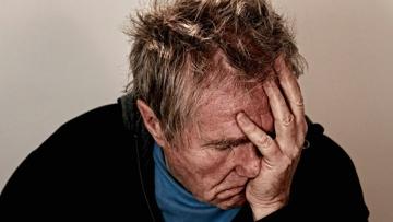 Названы пять признаков надвигающейся деменции