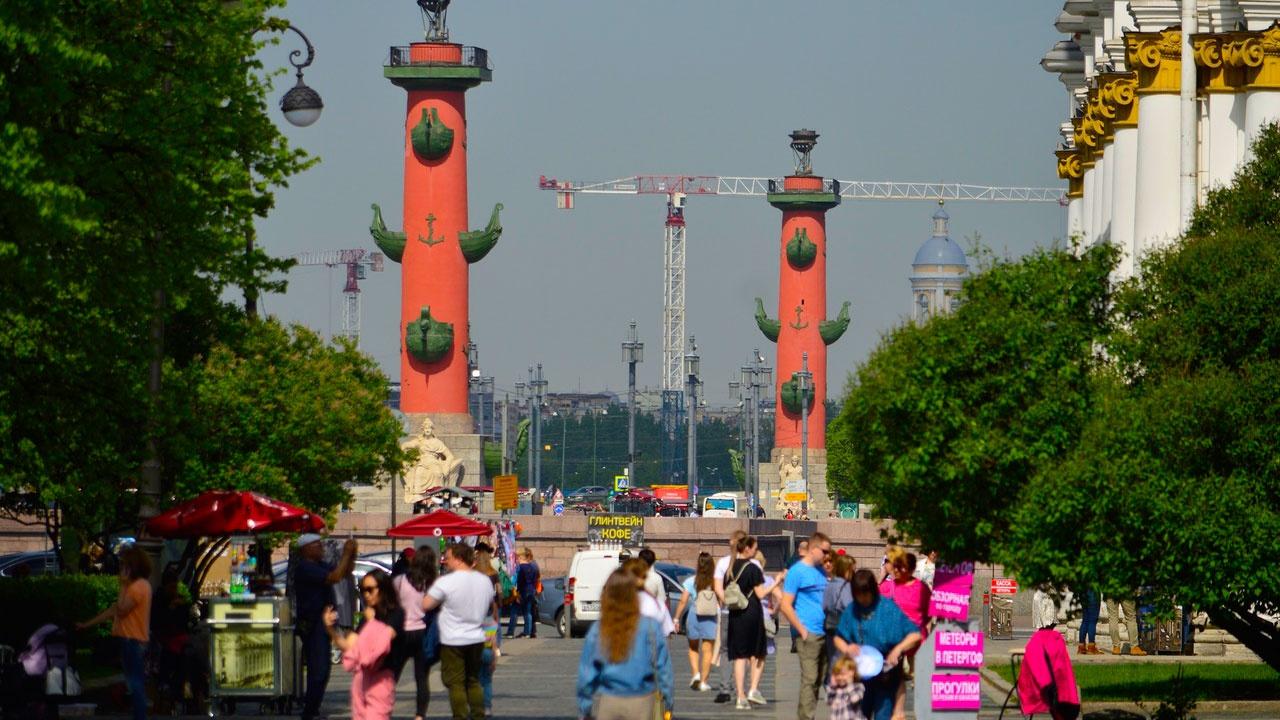 Ограничения для ресторанов и фан-зон Евро: в Петербурге усиливают меры безопасности из-за COVID-19