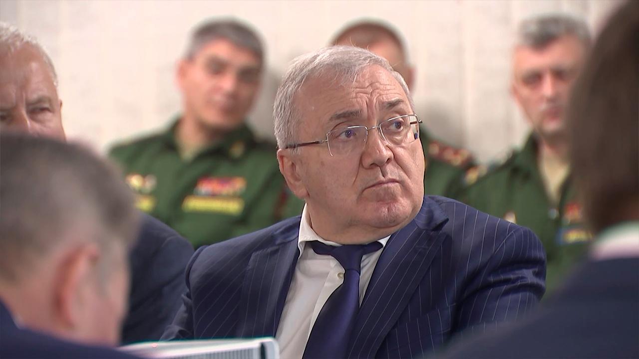 Цаликов осмотрел инженерно-производственный комплекс с синхротроном «Зеленоград»