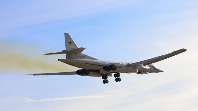 Два стратегических ракетоносца Ту-160 выполнили полет над Балтикой