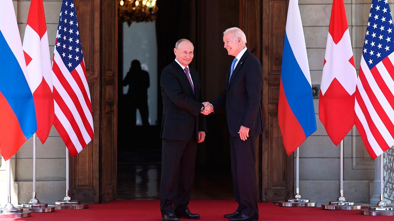 Россия и США договорились начать консультации по стратегической стабильности