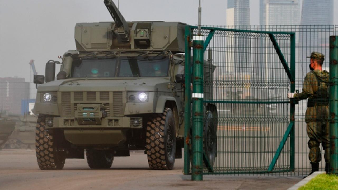 Назван срок начала серийных поставок в войска бронеавтомобиля «Тайфун-ВДВ»