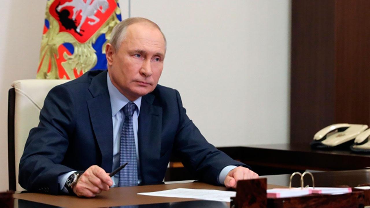 Путин наложил вето на закон об ответственности СМИ за распространение фейков