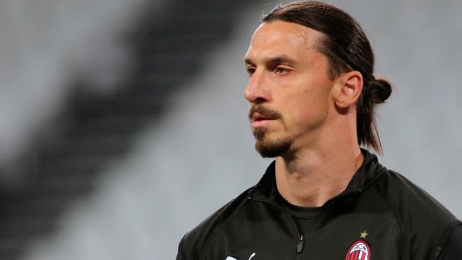 Футболист Златан Ибрагимович перенес операцию на колене