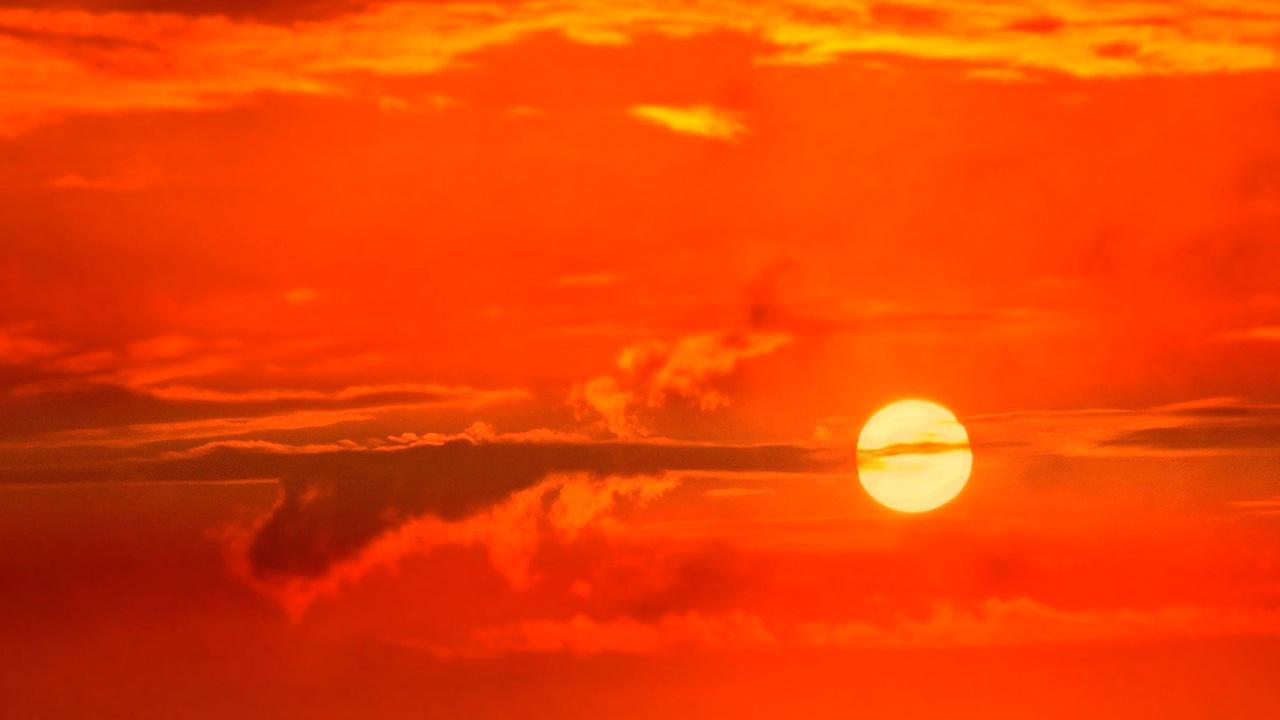 Вильфанд предупредил россиян об «опасном солнце»