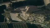 Астронавты на МКС вышли в открытый космос для монтажа солнечных панелей