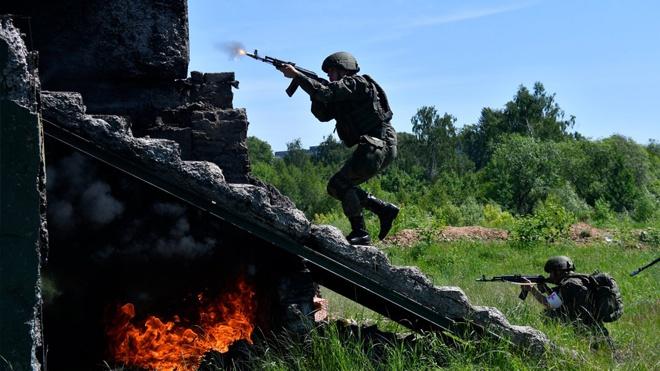 Спасти с поля боя: медики ЗВО провели тренировку в Подмосковье
