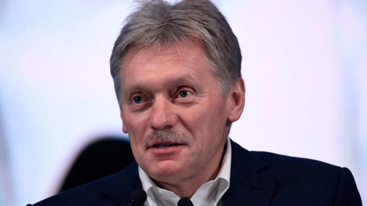 Песков заявил, что те, кто не привит и не имеет антител от COVID-19, попадут в менее выгодное положение