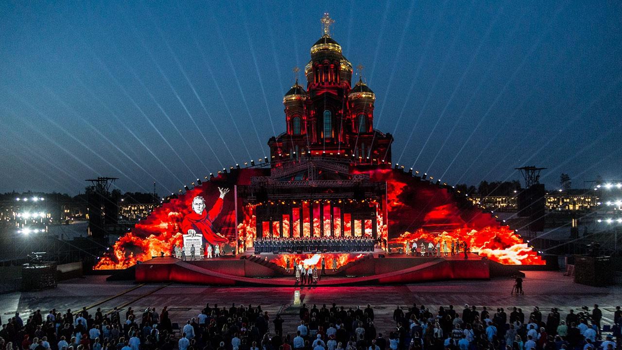 У стен Главного храма ВС России прошел Марафон памяти