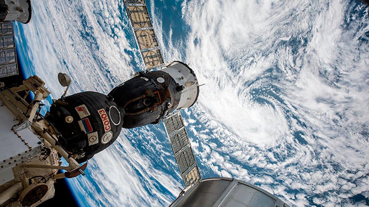 Орбиту МКС скорректировали, подняв ее на 850 метров
