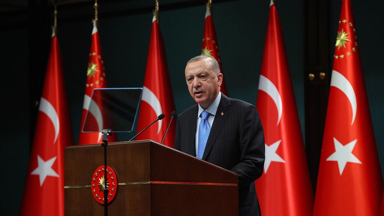Эрдоган поблагодарил Путина за восстановление авиасообщения и поставки «Спутника V»