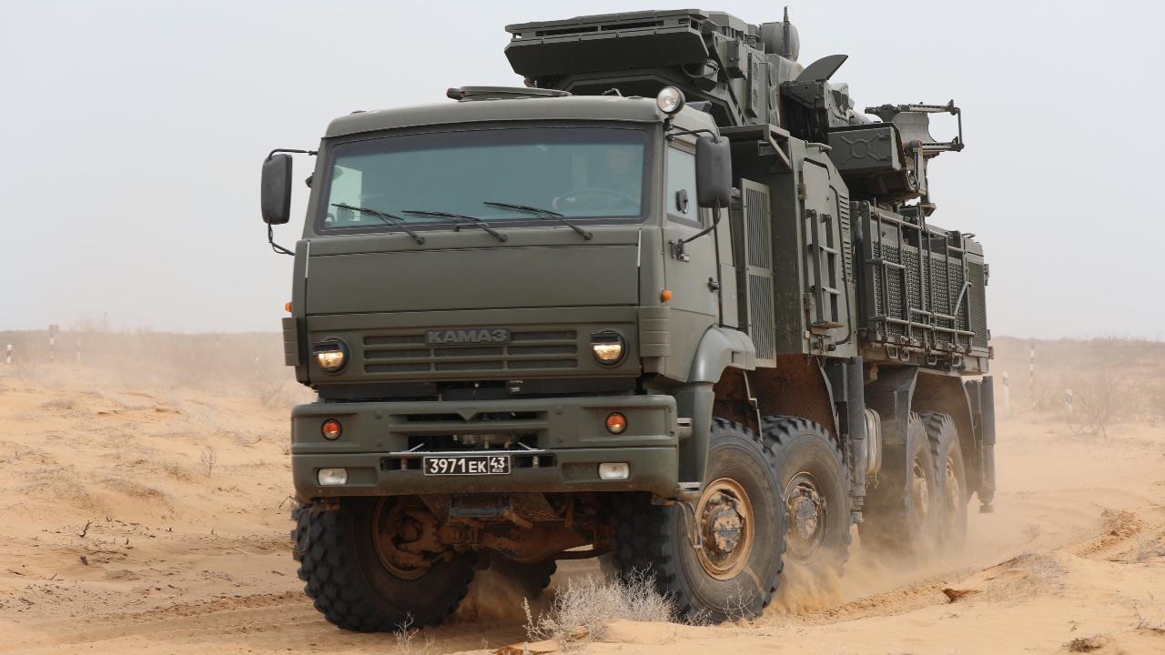 В ФСВТС сообщили о готовности РФ поставить Белоруссии «Триумфы» и «Панцири»