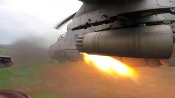 Ударные «Крокодилы»: вертолетчики Балтийского флота выжгли позиции врага неуправляемыми ракетами