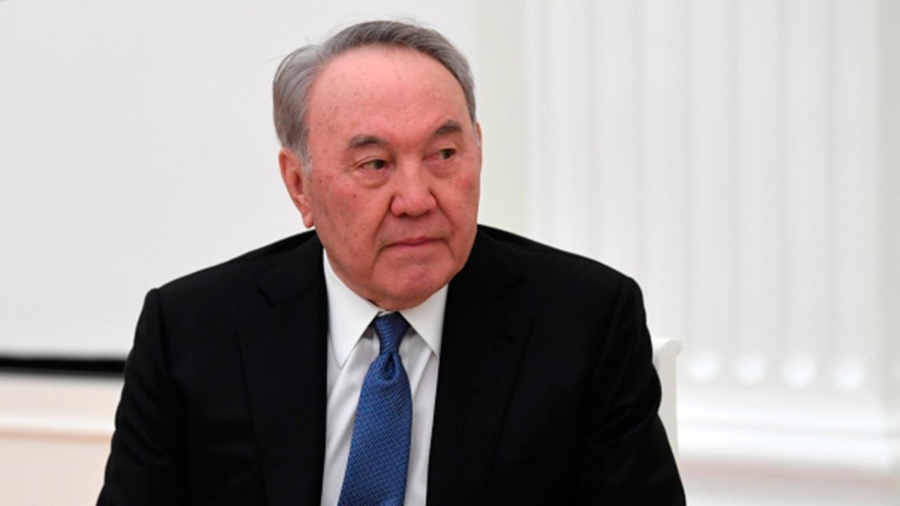 Нурсултан Назарбаев привился «Спутником V»
