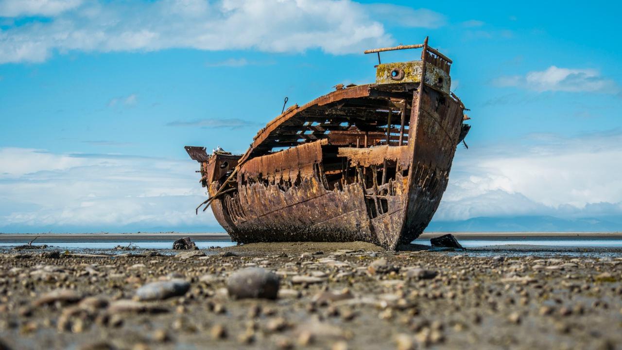 СМИ: «Корабль-призрак» с мертвыми людьми на борту обнаружен в Вест-Индии