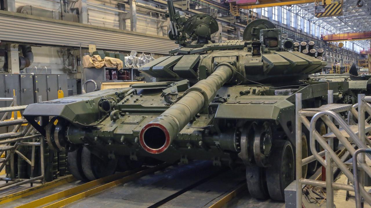 Боевые болиды: отгружена партия Т-72Б3 для «Танкового биатлона»