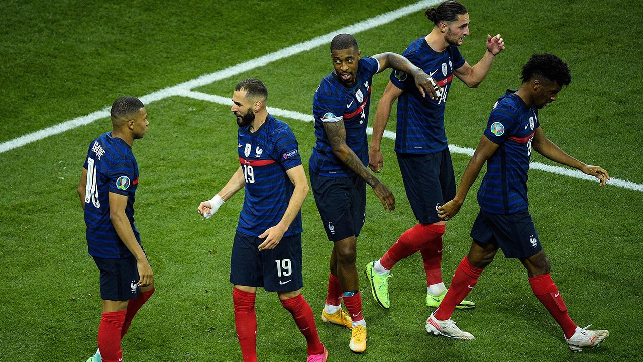 Франция проиграла Швейцарии и покинула Евро-2020