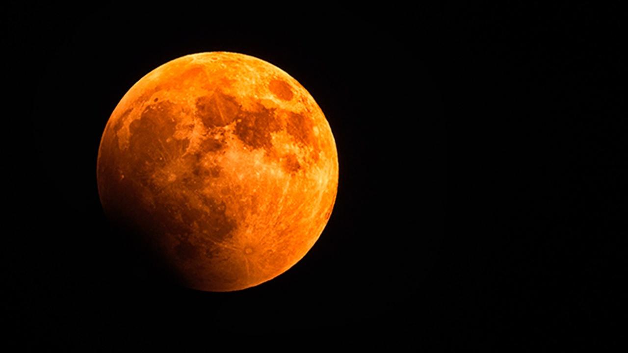 В Роскосмосе могут создать орбитальную систему связи с луной